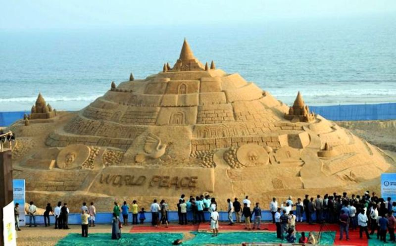 Sudarsan Pattnaik sets Guinness World Record for tallest sand castle-1