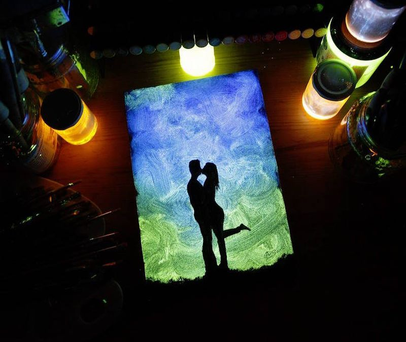 Crisco-Art-Glow-in-the-Dark-Painting-6
