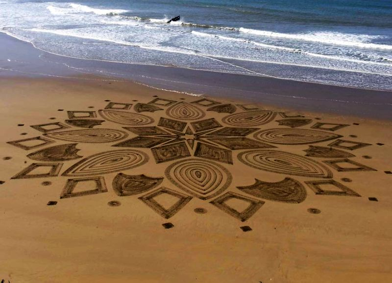Arabic-inspired-beach-art