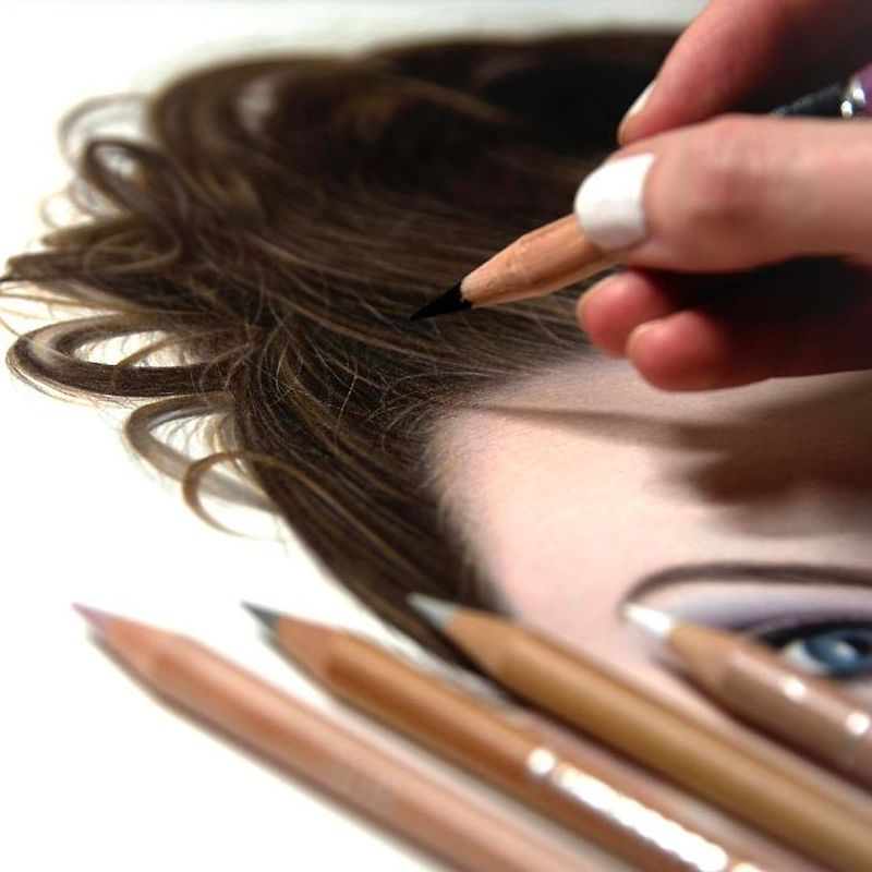 Photorealistic portraits by Heather Rooney